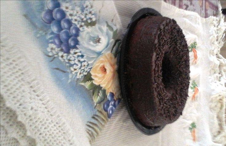 Saindo do forno agora bolo de chocolate R$ 12,00