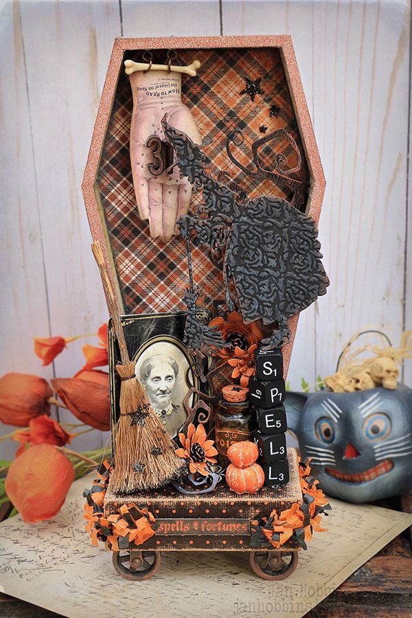 DECORATE FOR HALLOWEEN WITH THIS COFFIN VIGNETTE TRAY