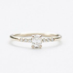 MOCIUN | Custom Oval cut White Diamond Engagement Ring