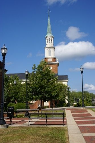 Alexander City, AL : Church on Court Square