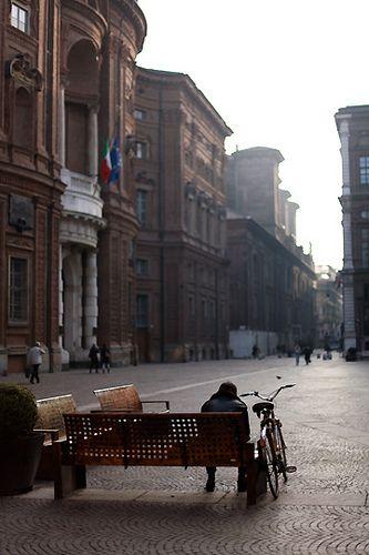 Palazzo Carignano, Piazza Carignano Torino