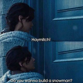 "This tribute to Frozen. | 16 Times Tumblr Was Hilarious About ""The Hunger Games"""