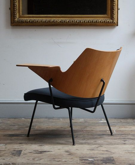 Festival Hall 658 chair by Robin Day (via the absolute DESIGN blog…)