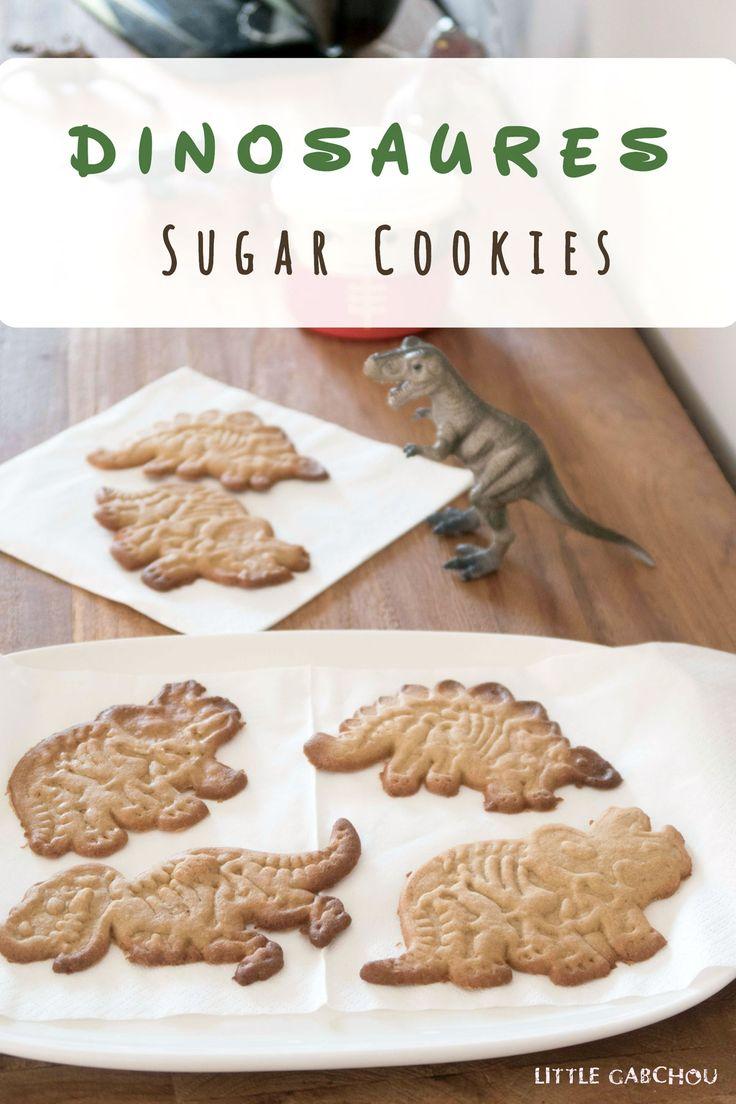 Ma version saine de sugar cookies à l'huile de coco. Idéale pour les goûters et anniversaires à thème des enfants . My healthier version of sugar cookies with coconut oil for dinosaur party.