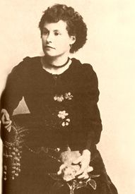 """Better known as """"Squirrel Tooth Alice,"""" Mary Elizabeth """"Libby"""" Haley Thompson was a popular """"soiled dove"""" in the frontier cow towns of the American West, despite gap the in her teeth that earned her nickname."""