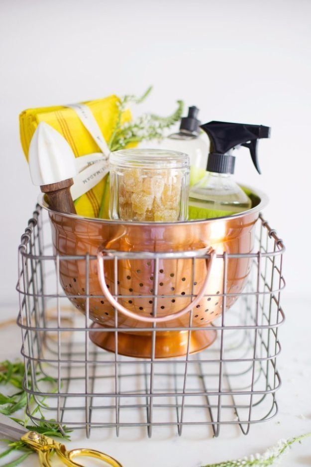 DIY Housewarming Gifts - Housewarming Gift In A Colander - Best Do It Yourself Gift Ideas for Friends With A New House, Home or Apartment - Creative, Cheap and Quick Crafts and DIY Ideas for Housewarming Presents - Mason Jar Gifts, Baskets, Gifts for Women and Men http://diyjoy.com/diy-housewarming-gifts #housewarminggifts