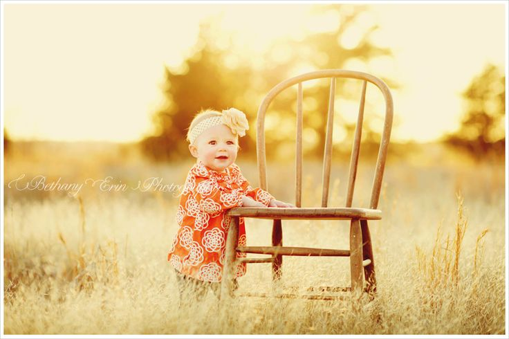 beautiful outdoor 9 month baby session