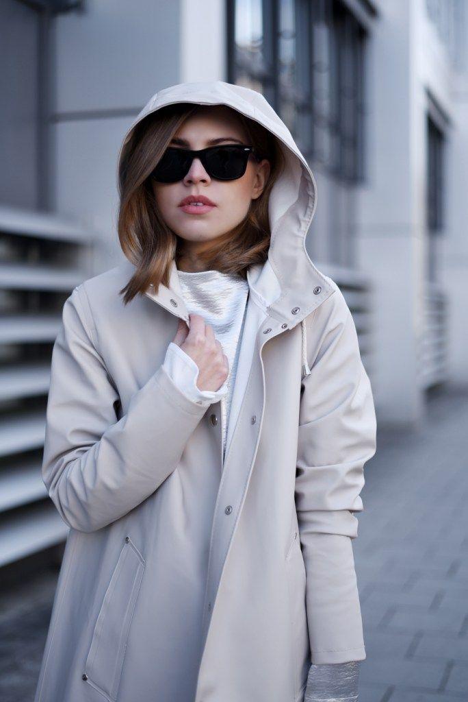 Outfit Stutterheim Raincoat Metallic Shirt Leather Culotte Damen Regenmantel Modestil Regenmantel