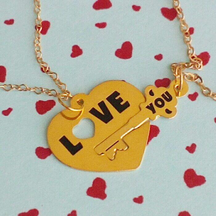 """Pulseras de pareja """"Love You"""" en oro gold-filled perfectas para lo más enamorados. Pedidos al WhatsApp 3022736221. #pulseras #love #you #accesoriosparaparejas #orogolfi #amor #accesoriosbogota #enamorados #accesoriosdemoda #pulserasdenovios #novios #accesorioscolombia #trendy #bogota #colombia #accesoriosparanovios"""