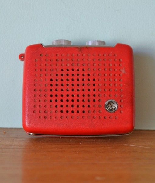 Vintage Aitron radio USA red