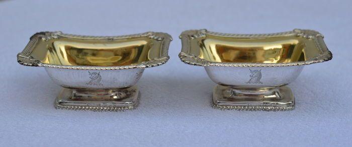 Online veilinghuis Catawiki: Paar zilveren zoutvaatjes met kabelrand en vermeil binnenzijde, Sheffield, 1815