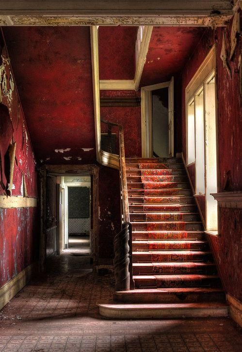 Red Wall, Abandoned Home, Old Home, Old Houses, Abandoned Beautiful, Wall Colours, Abandoned Houses, Stairways, Abandoned Places