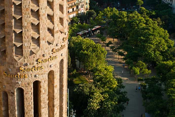 Official website of the Sagrada Família, Gaudí's emblematic temple in Barcelona. Online ticket sales. Book easily, quickly and directly