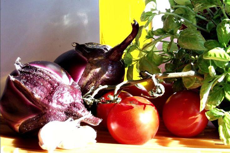 Få goda råd och tips på hur du lagar den sicilianska pastarätten pasta alla norma - eller pasta med auberginer på svenska