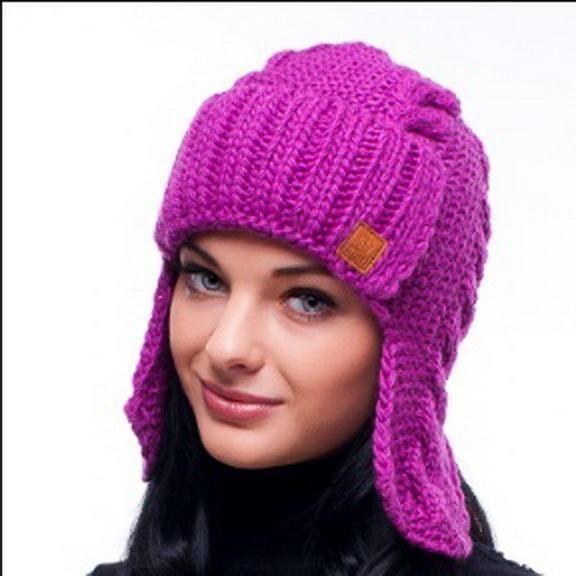 Вязанная шапка ушанка женская