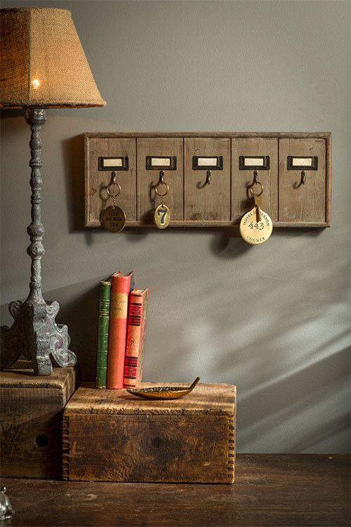 Vintage Inspired Wooden Hotel Key Hook Board Rack (Small 5 Hooks)