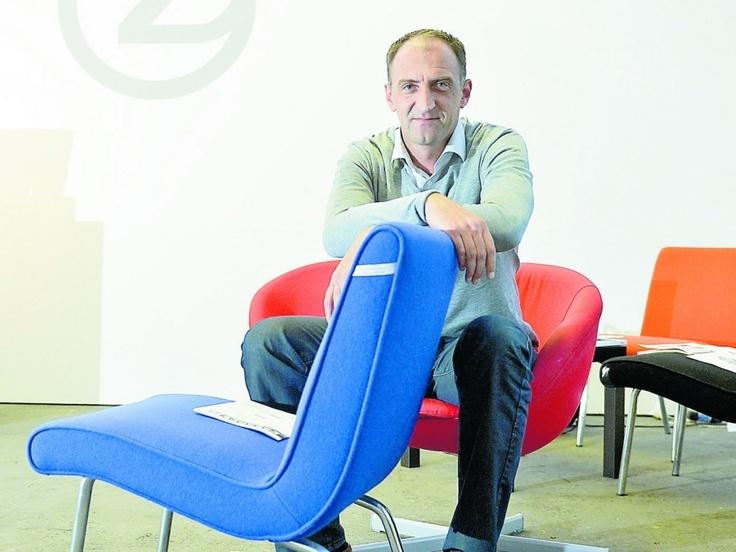 """Ronald Zehmeister arbeitet in der Zentrifuge """"Auf AEG"""". Hier brütet er mit Künstlern und Unternehmern über die Zukunft."""