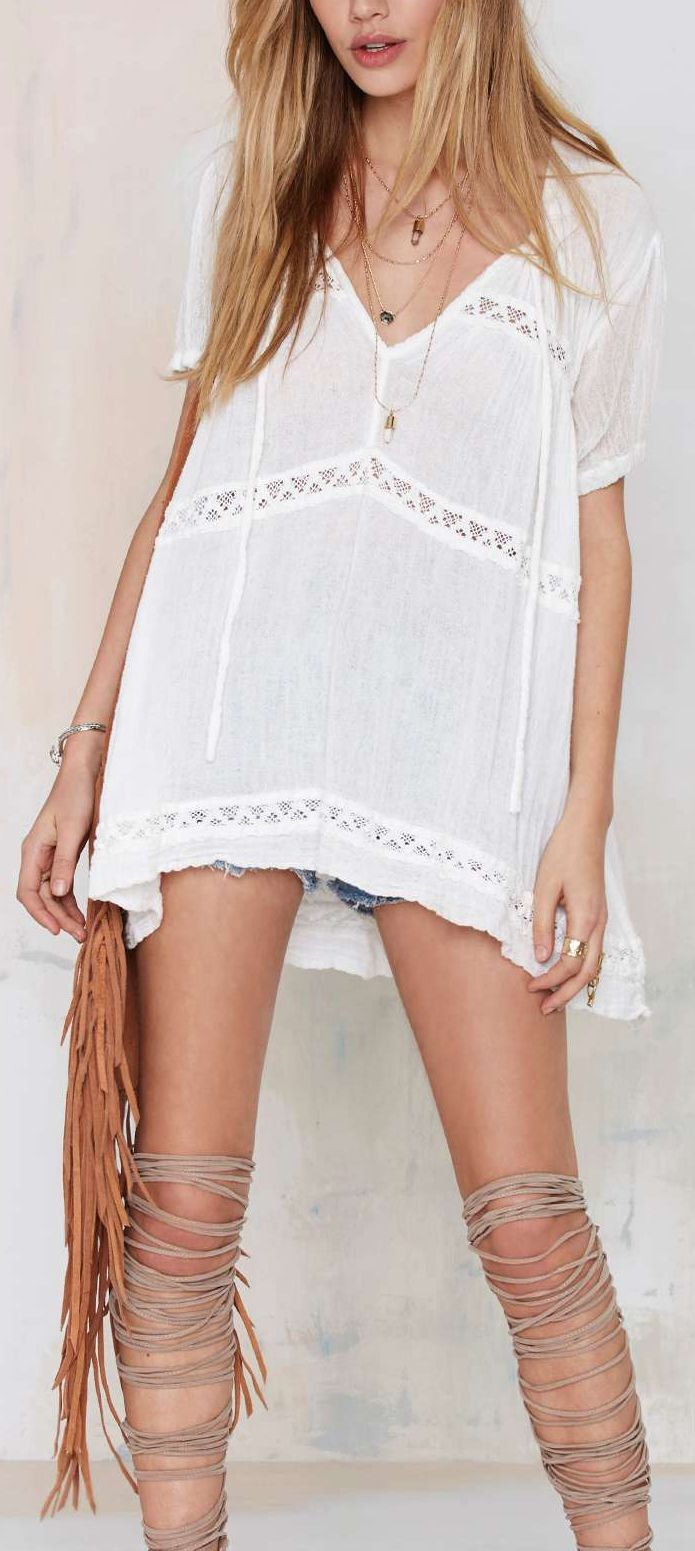 Boho tunic with lashes on legs. Check for more on pinterest.com/ninayay and stay positively #pinspired #pinspire