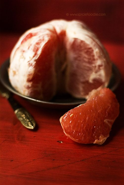 Grapefruit Health Benefits, Side Effects and Recipe Ideas by @Heather Graetz Foodie | #grapefruit #healthbenefits #recipes