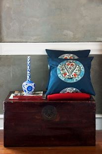 Need to refresh your living room? Haremlique Iznik Cushion, Gul adds a layer of richness to patterns and solids in coordinating and contrasting hues.