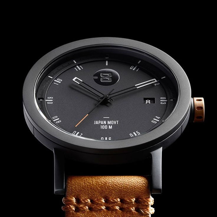 The Zone 2 references a classic field watch tied with industrial influences. This watch finds its soul in its utility and minimalism. Built for the singular mission of quick, accurate timekeeping, the