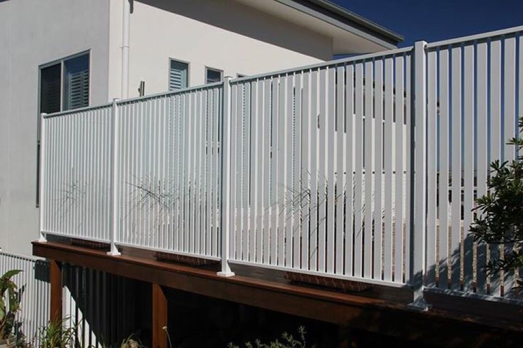 Aluminum Vertical slat screen fencing