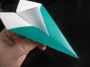 Read Up on the Fascinating History of Origami Airplanes: Fun Paper Airplane Trivia