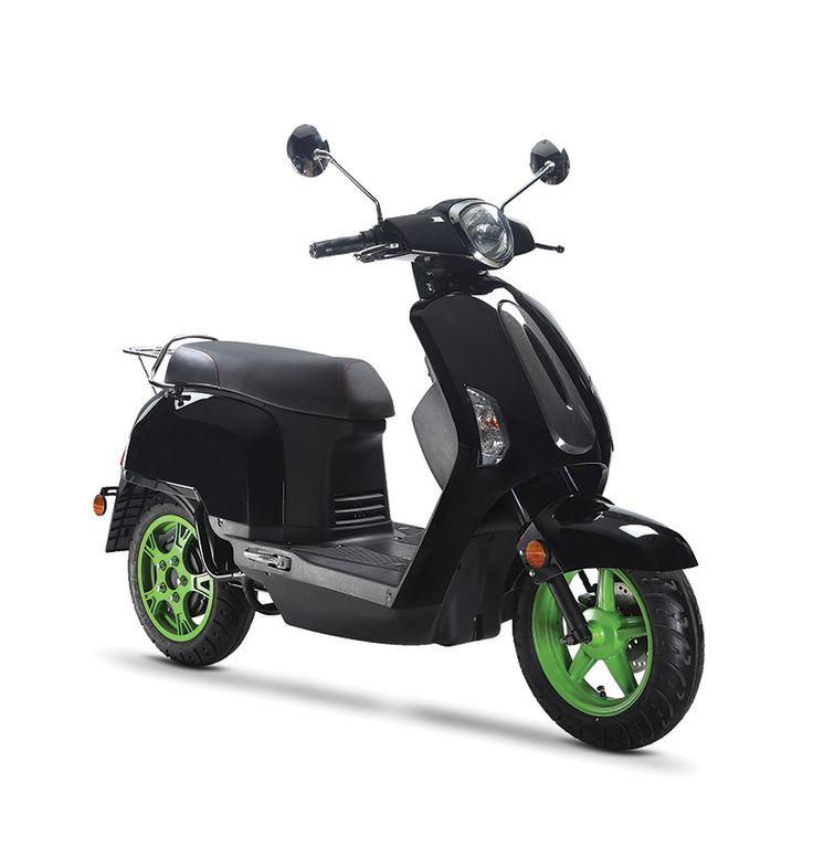 De stoer Ugbest UF9. Vrijwel iedereen, ongeacht lichaamslengte, zit comfortabel op deze krachtige scooter.