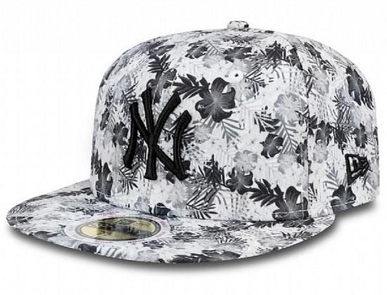 ddfa0bb2545 Summer Bloom New York Yankees 59Fifty Fitted Cap by NEW ERA x MLB ...