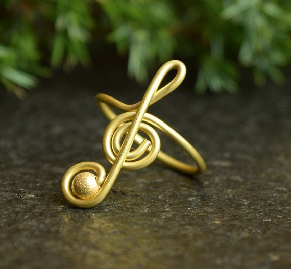 #WireWrap #RingMusic #TrebleClefRing #NoteRing #MusicRing #TrebleClef #GiftForMusician #PersonalizedRing #GoldRing #WireRing