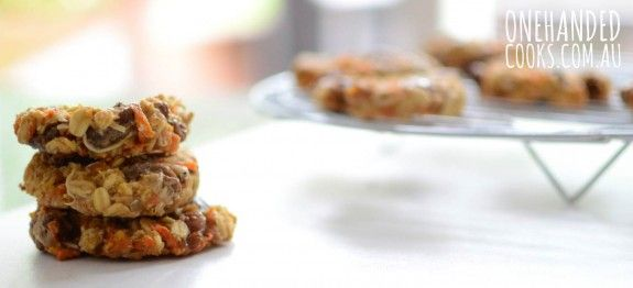 CARROT COOKIES:  Do you have a few carrots hiding out in the fridge?  Combine them with some pantry staples to make a batch of these carrot cookies.  They will fast become a favourite with your family. #onehandedcooks