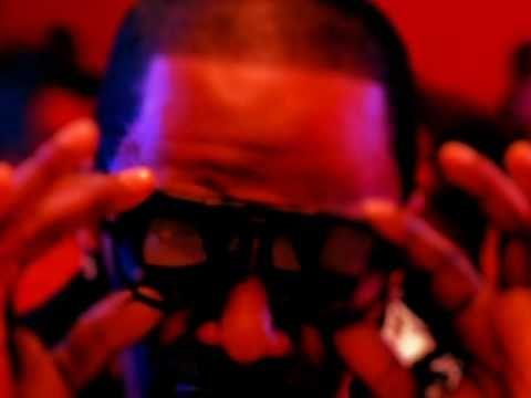 Jamie Foxx featuring T-Pain - Blame It ft. T-Pain