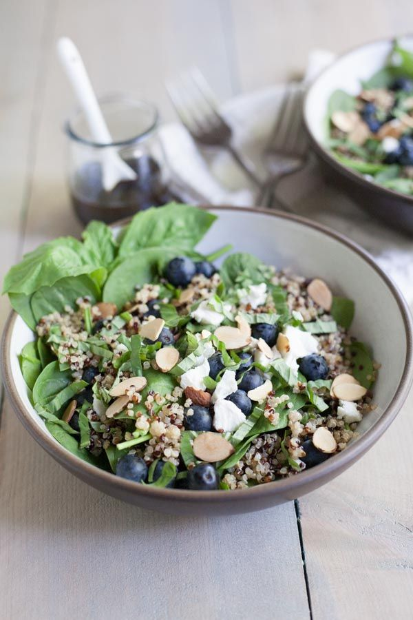 Blueberry, Quinoa and Spinach Salad with Balsamic Vinaigrette