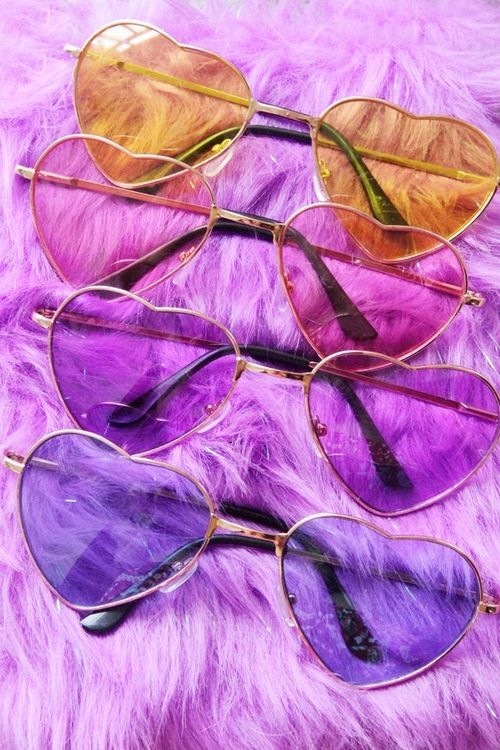 Image via We Heart It #accessories #amazing #beautiful #california #corazon #girl #girly #heart #hearts #hipster #hipsters #indie #it #lentes #lovely #moda #pale #pastel #photography #pink #purple #tumblr #lml #cute