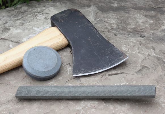 A step by step tutorial on axe sharpening