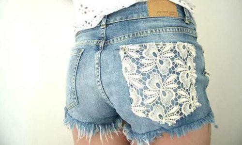 Lace pocket Jean shorts - Must do a DIY!