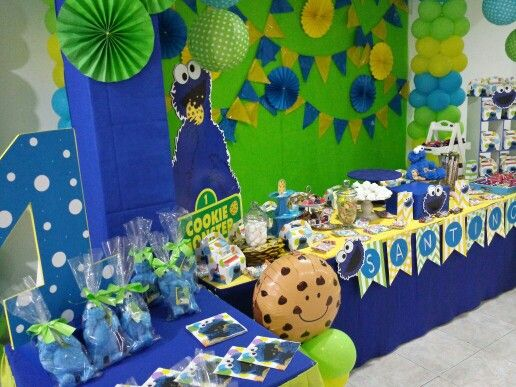 Cookie Monster Party Ideas.. Candy Table Instagram @atelier_creativ0 Barranquilla & 8 best Cookie Monster Party Decor images on Pinterest | Barranquilla ...