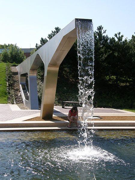 Graphisoft-Park-by-Garten-Studio-06-aquaduct « Landscape Architecture Works | Landezine
