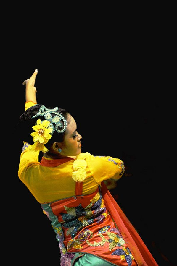 Beautiful Jaipong Dancer Woman. | Jaipong, traditional dance of Sundanese in West Java, Indonesia.