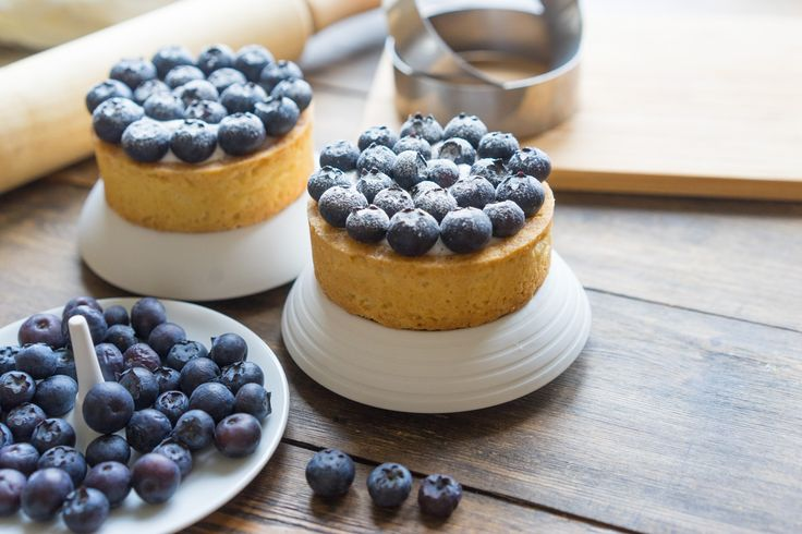 Tartlets with the tastiest filling and fruits