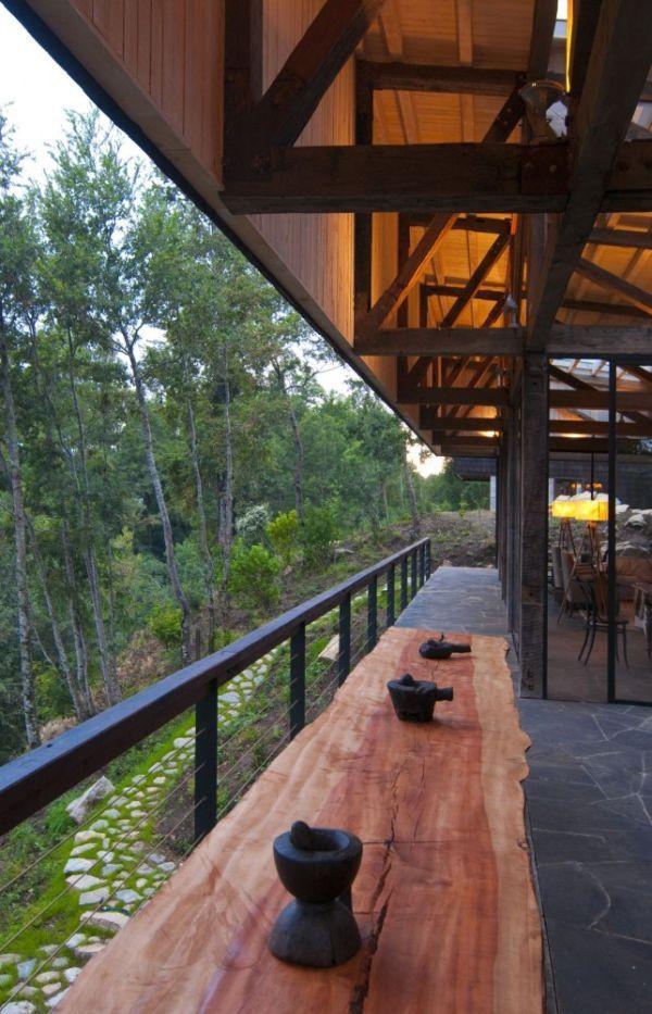 House in Lago Ranco, Chile by elton+léniz arquitectos asociados.