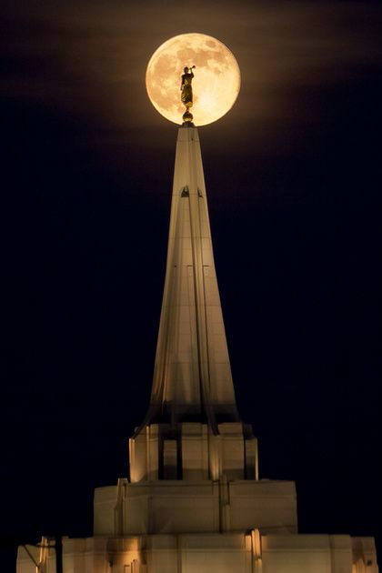 Gilbert Temple and the Supermoon
