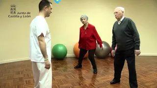 de ejercicios de yoga sobre la cama para adultos mayores - YouTube