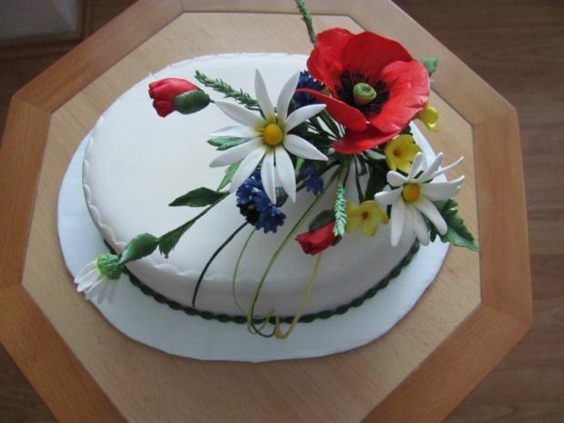 S lúčnymi kvetmi , narodeninové torty | Tortyodmamy.sk