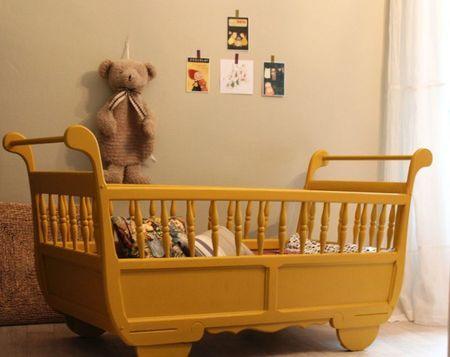lit roulotte jaune yellow pinterest chambre r tro lits et petits lits. Black Bedroom Furniture Sets. Home Design Ideas