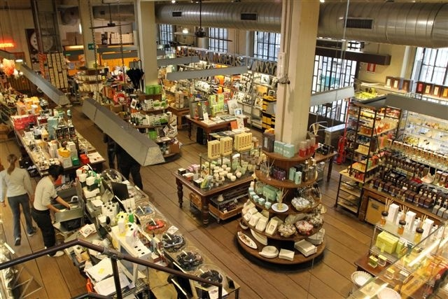 High Tech Store, Milan IT