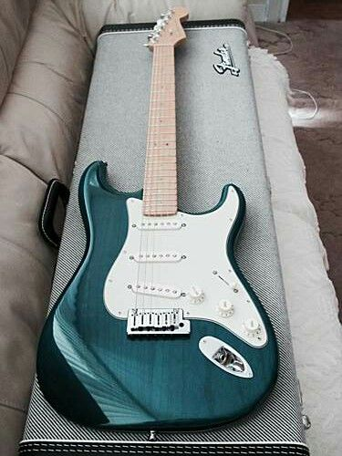 I NEED THIS STRAT.....THAT COLOR! !!! Transparent Finish Fender Stratocaster