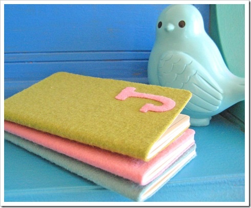 felt monogram notebooks...DIY with felt and a composition notebook! Super cute idea and cheap!