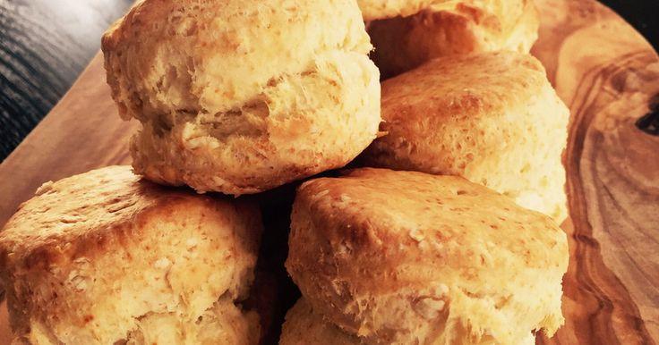 皆様のおかげで話題入り♡ ぶきっちょさんも腹割れ必至! 小麦粉本来の味とバターの風味で、スコーンをシンプルに楽しんで♡