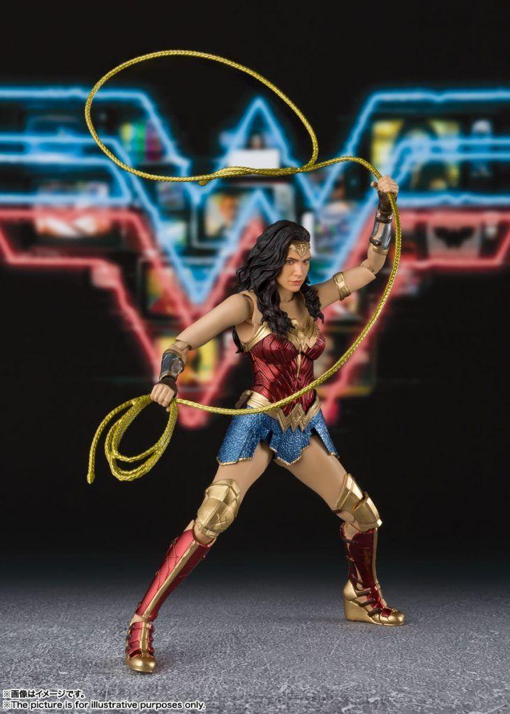 S H Figuarts Wonder Woman Ww84 In 2020 Wonder Woman Women Wonder Woman Dress